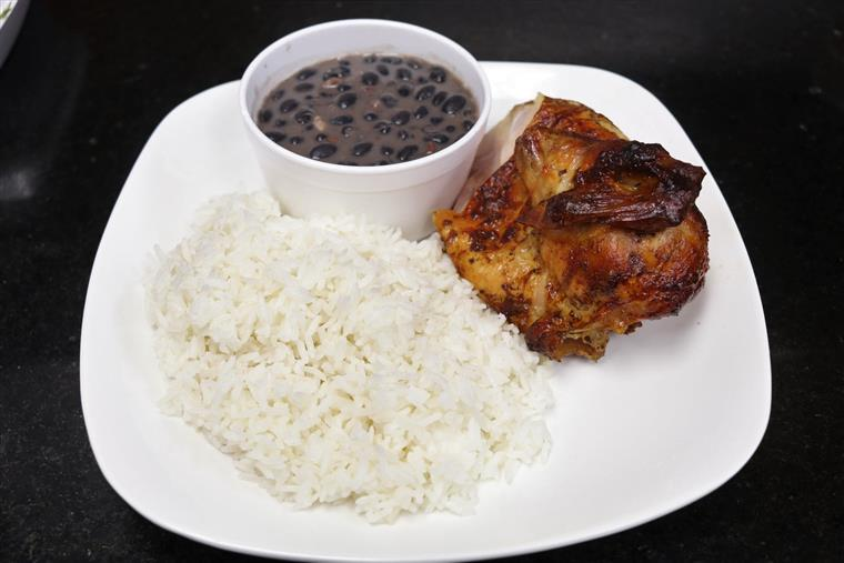 ¼ All White Meat chicken with rice and beans