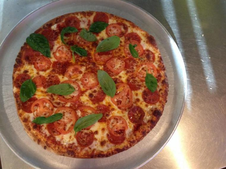 basil and tomato pizza pie
