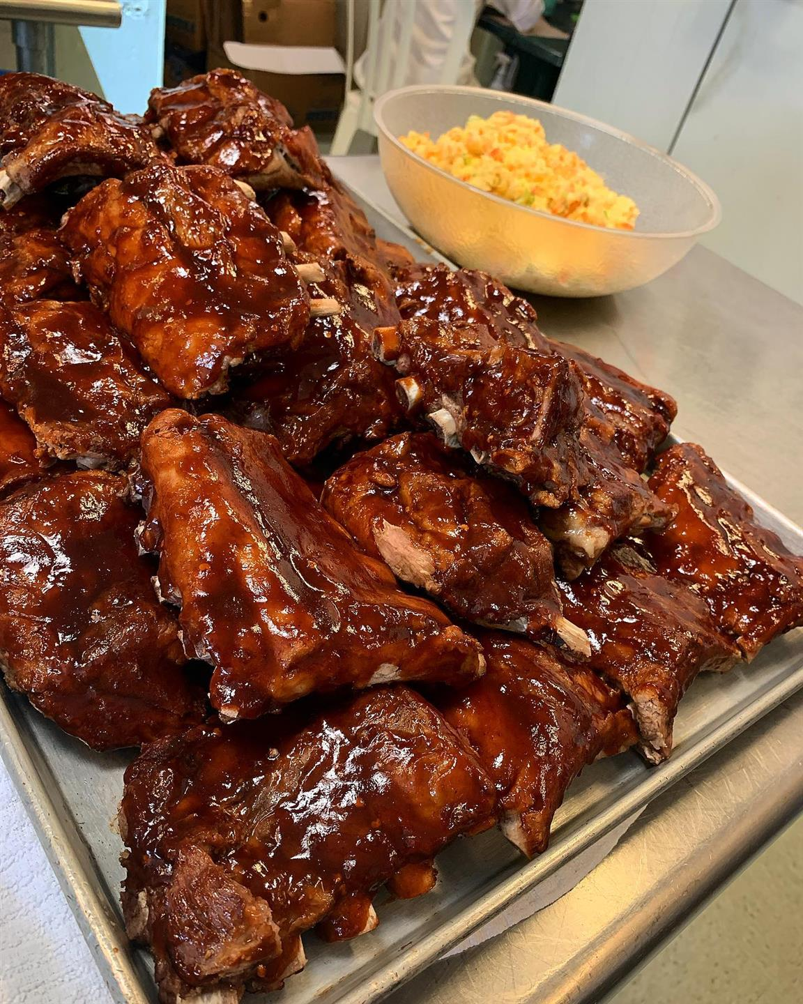 tray of barbecue ribs