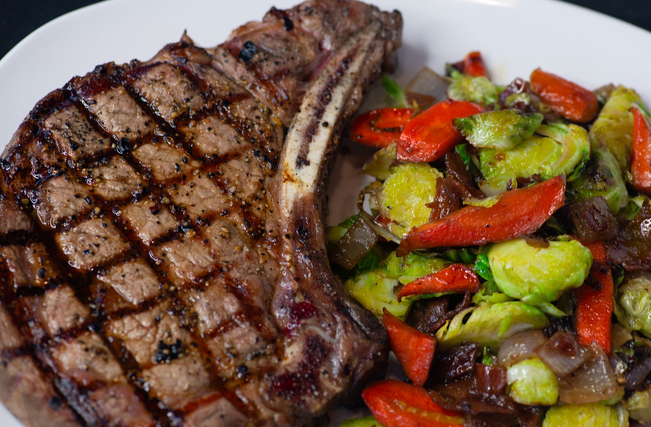 ribeye with vegetables