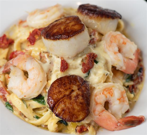 Tuscan Scallops and Shrimp
