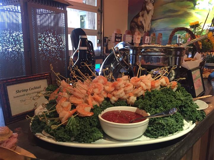 shrimp display with dipping sauce