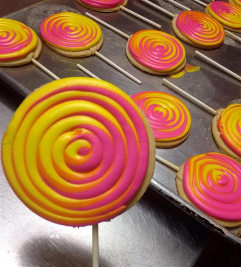 Yellow and pink Cookie pops