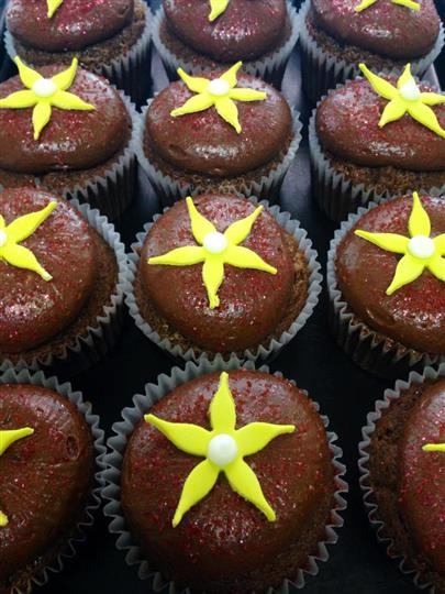 Chocolate double foudge with yelow flowers