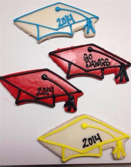 Cookies with graduation hat design