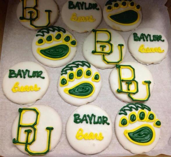 Cookies with the Baylor design