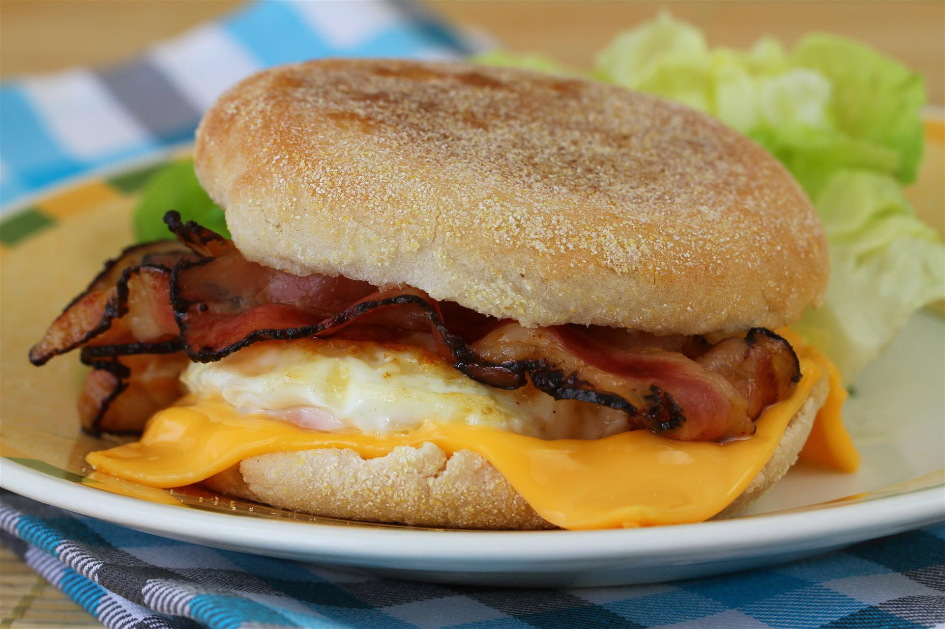 breakfast egg sandwich with cheese and bacon