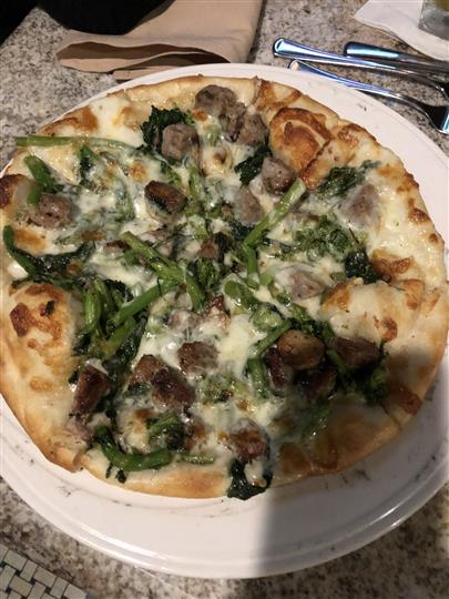 pizza with sausage and broccoli rabe