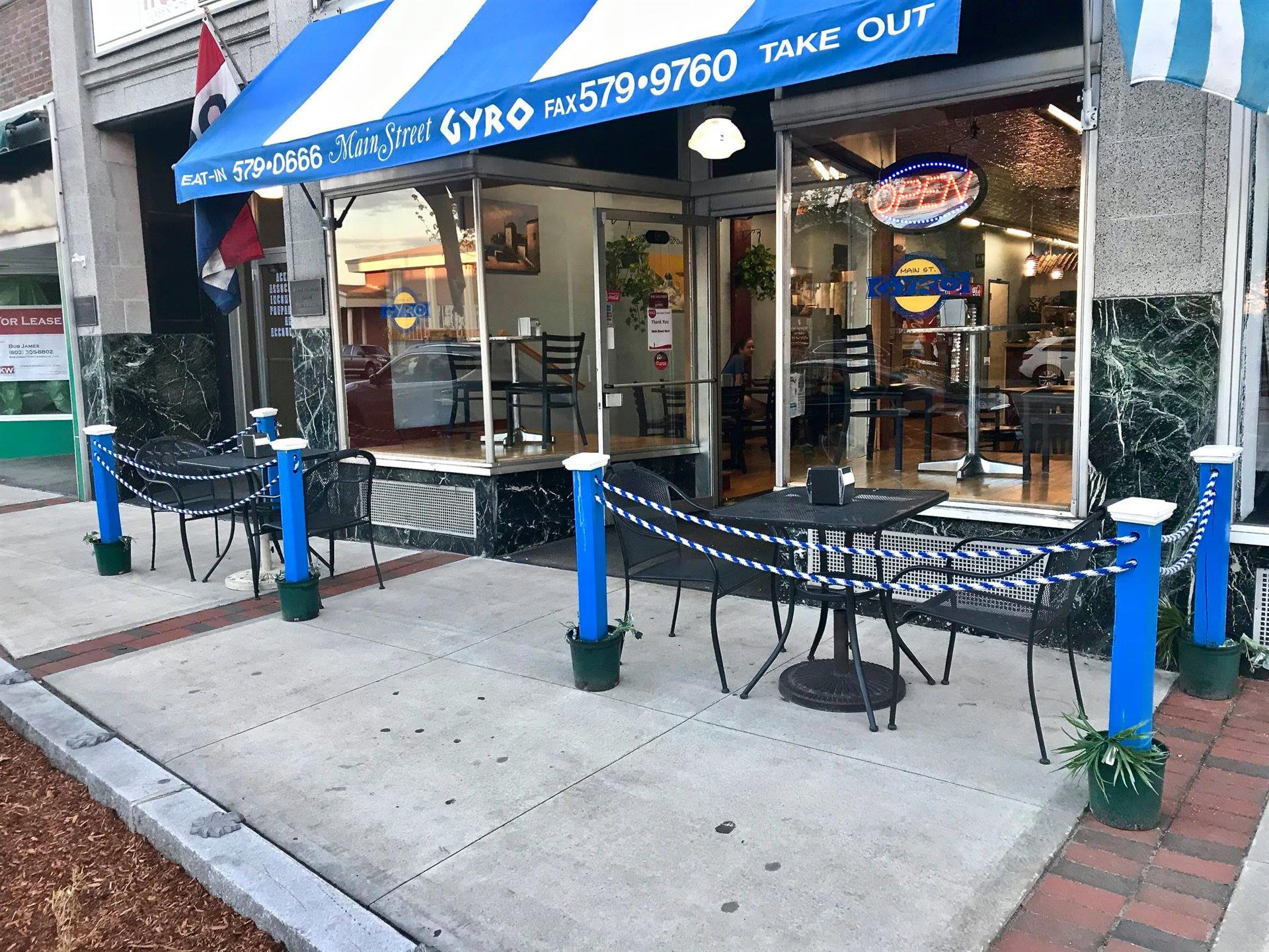 Main Street Gyro Storefront. Outside seating.