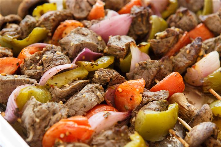 Beef platter with onions and tomatoes