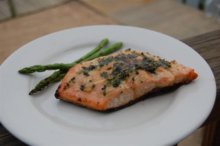Salmon and asparagus on dish