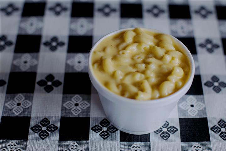 a cup of mac n cheese