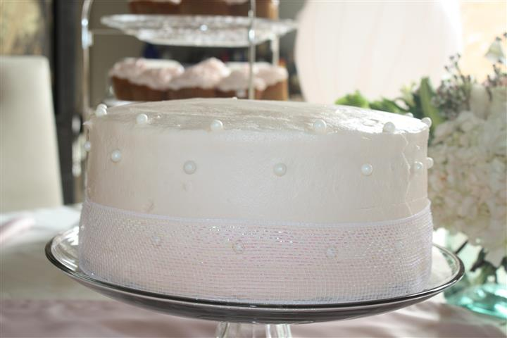 a decorated vanilla cake