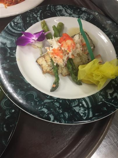 lobster roll with asparagus
