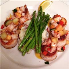 Menu items with mashed potatoes, green beans and shrimp