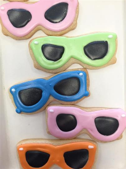 sunglasses decorated cookies