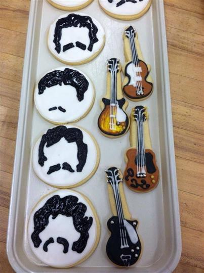 guitar shaped decorated cookies