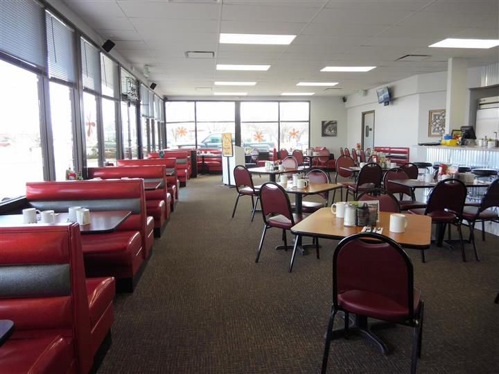 Dining area of Clifton location
