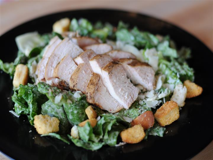 mixed salad with grilled chicken