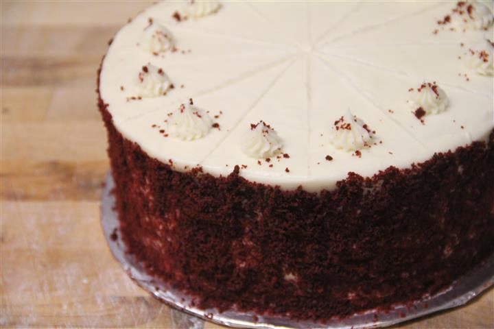 Creamcheese Icing with with Red Velvet crumbs.