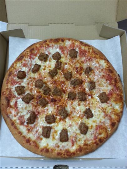 large chese pizza with meatballs