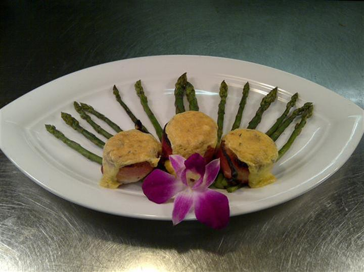 entree with asparagus