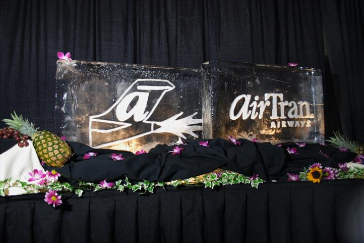 """AirTran Airways"" logos carved into two ice blocks"