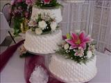 CLOSEUPWEDDINGCAKE_JPG