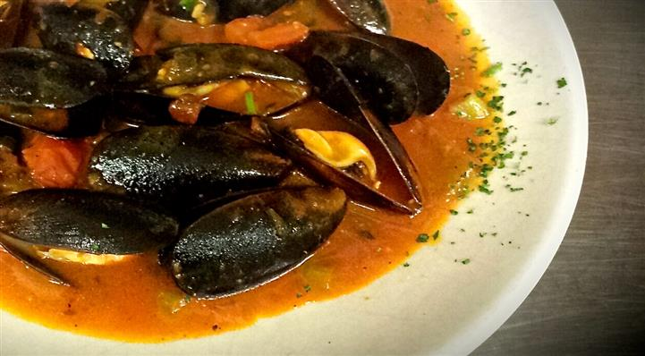 Mussels in a platter