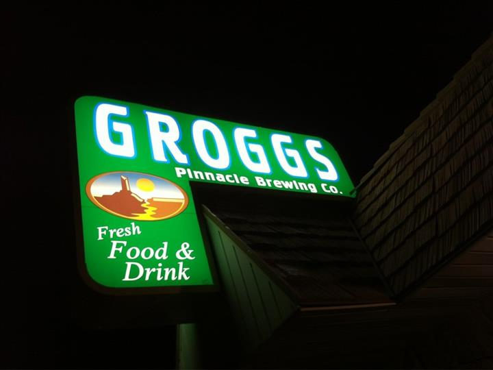 Groggs front entrance and sign