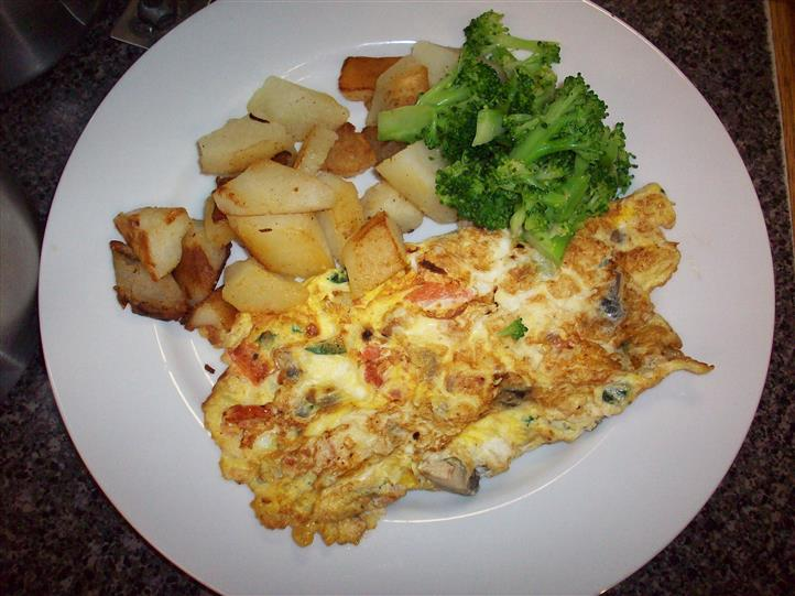 potatoes, omelette, and broccoli
