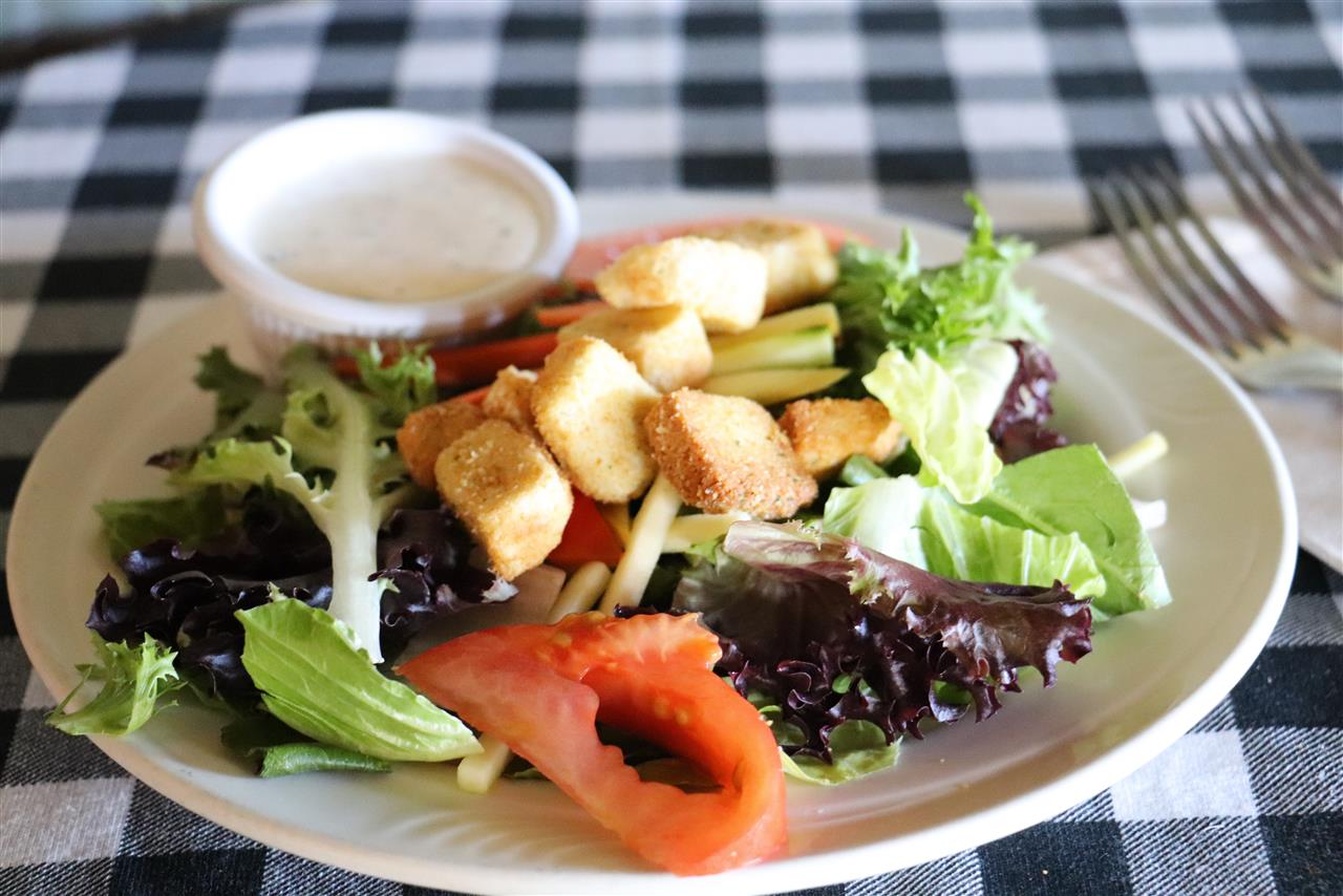 House Salad with Choice of Dressing
