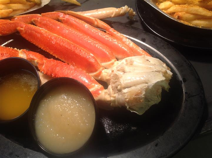 crab legs with sauce