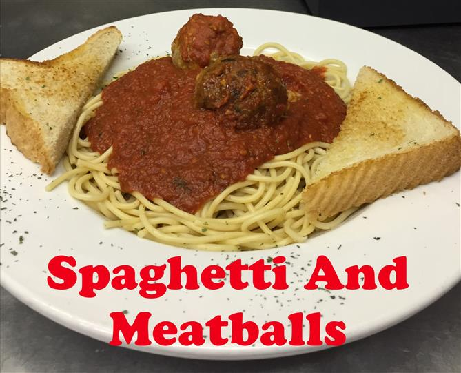 Spaghetti and Meatballs with toast