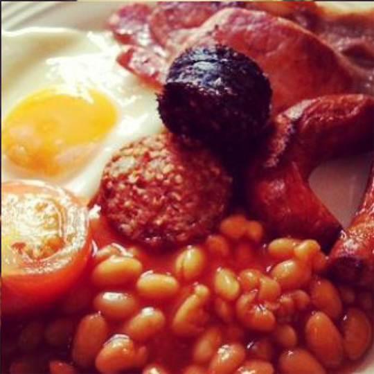 Eggs, Bacon, sausage, and baked beans