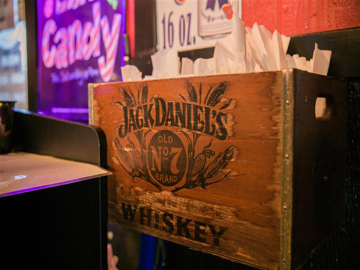 "Wooden crate that reads ""jack Daniels Old N°7 Brand"""