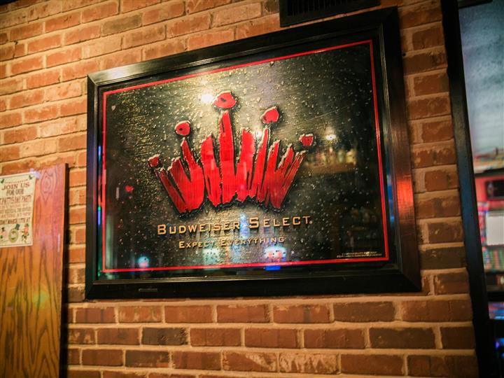 Budweiser Select plaque with crown on it