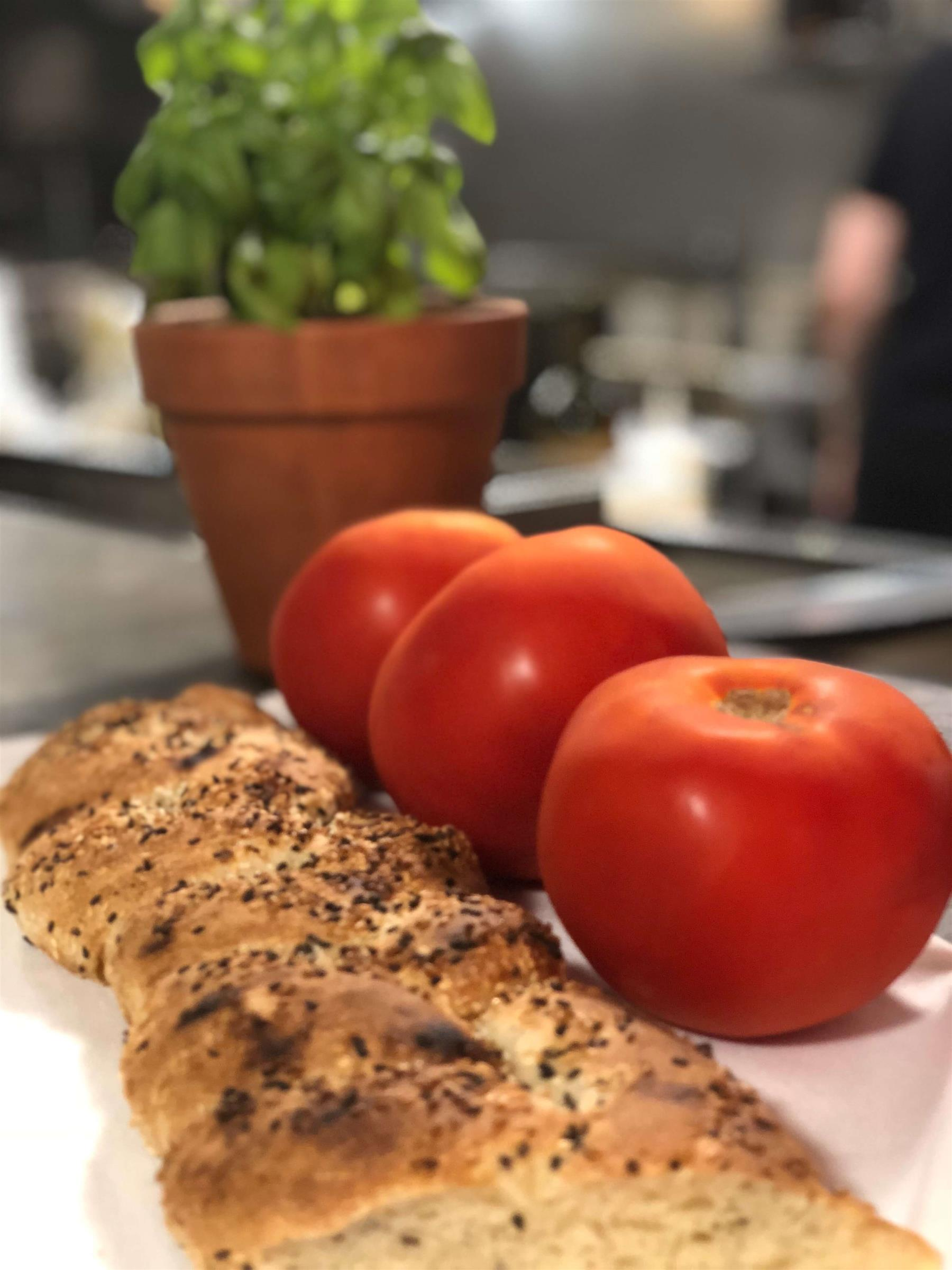 Tomatoes and garlic bread
