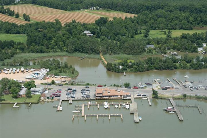 aerial view of captain john's crabhouse