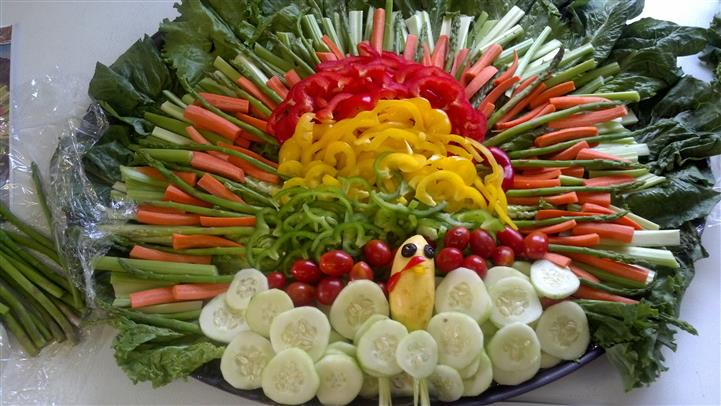 plate of veggies in a form of a Turkey