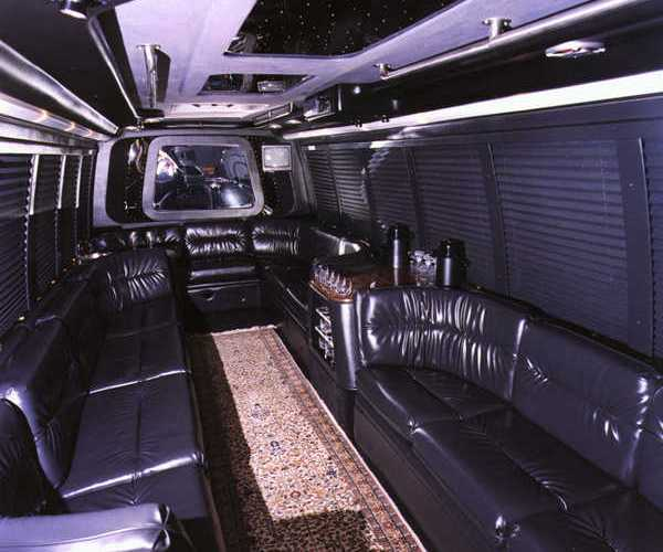 ---- Party Bus pic2 (large)