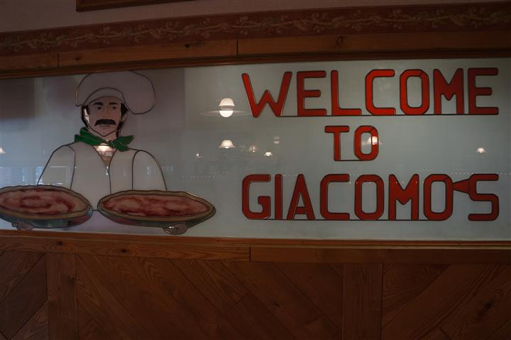 """WELCOME TO GIACOMO'S"""