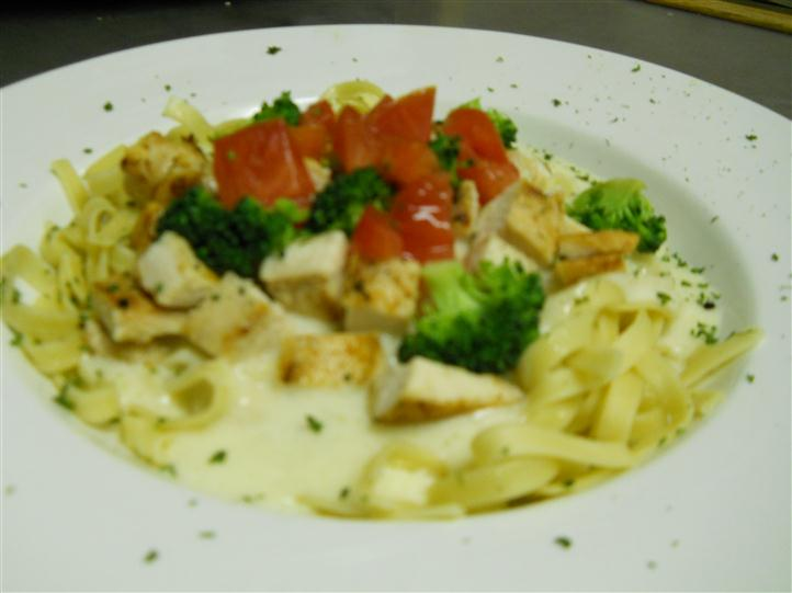 pasta with cheese, chicken and vegetables