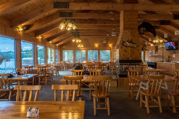 Dinning room at Wiley Point Lodge