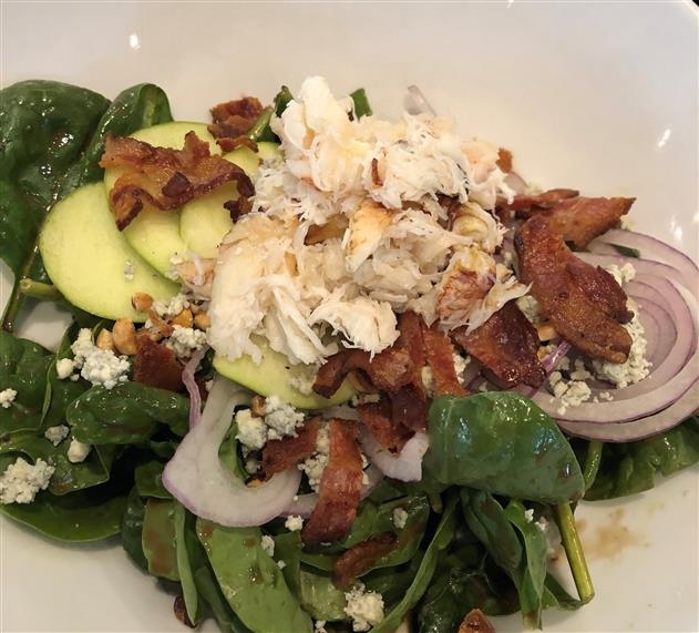 spinach salad with crab and apple