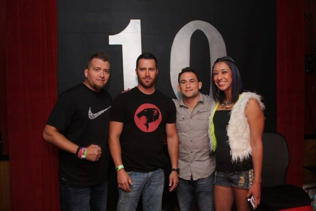 UFC event meet and greet with fans in 10 sports Bar and Grill