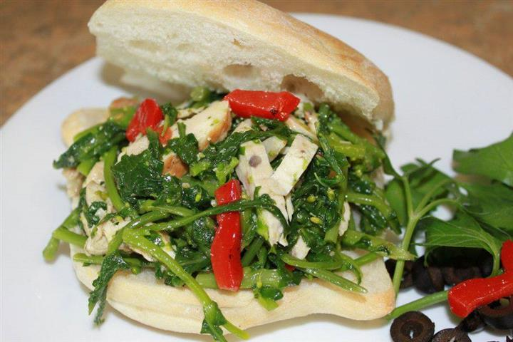 Sanwich with spinach