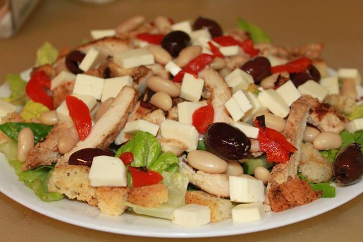 Salad with crutons and olives