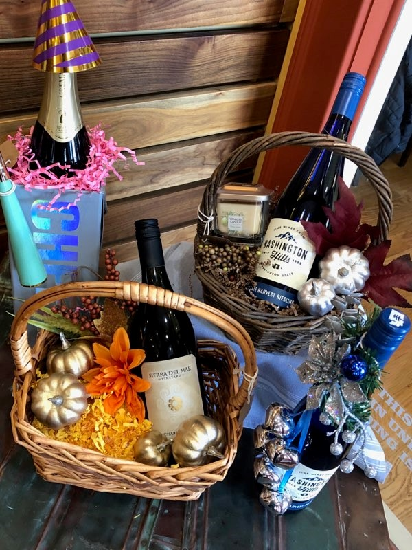 Basket with wine