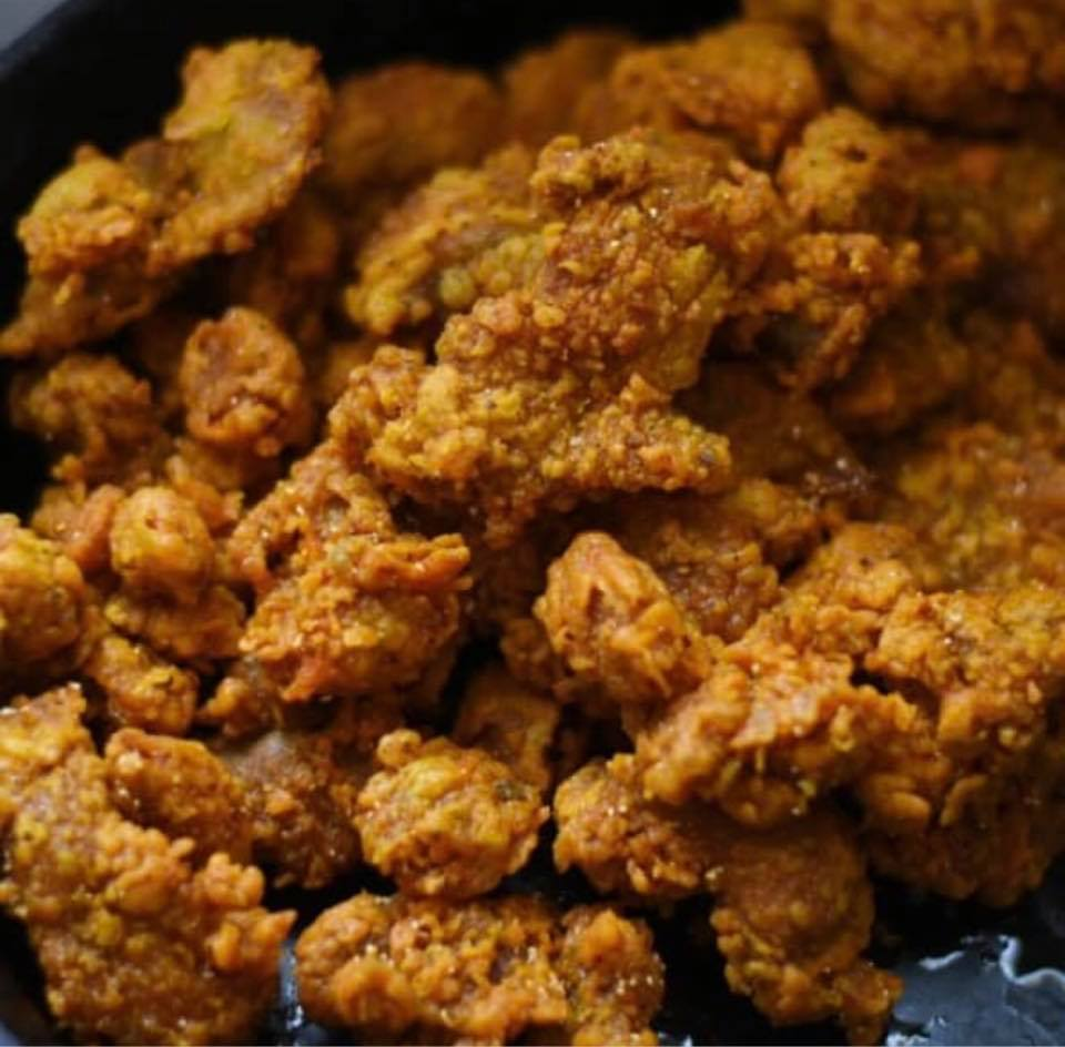 skillet of fried chicken